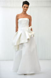 Angel Sanchez 2010 wedding dresses photo.PNG
