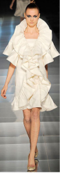 Modern cream white dress from Haute Couture from Valentino collection 2009.PNG