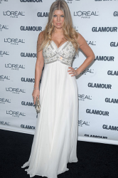 Celebrity wearing Michael Kors white gown.PNG